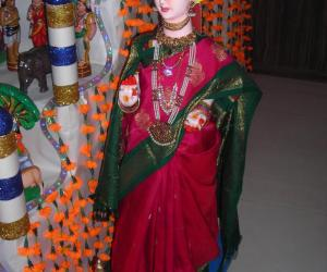 Rangoli: doll dressed up for golu
