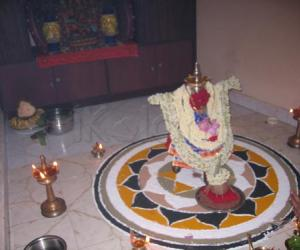 Rangoli: Adi nvelli villakku pooja
