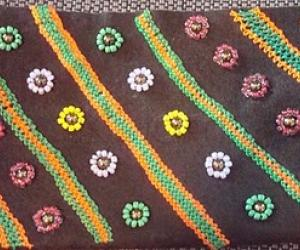 Rangoli: beadwork pouch