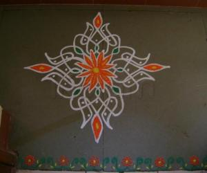 Rangoli: Sixth Day of Navrathri Maakolam