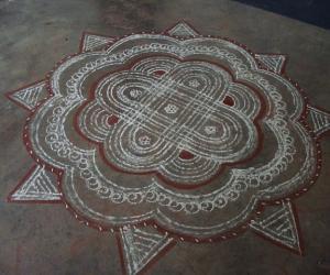 Rangoli: Traditional Padikolam