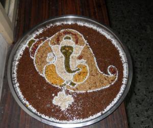 Rangoli: Navarathri 2010 - Sangu Pullaiyaar