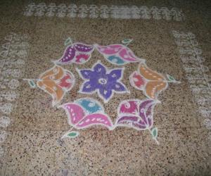 Rangoli: An easy flower kolam