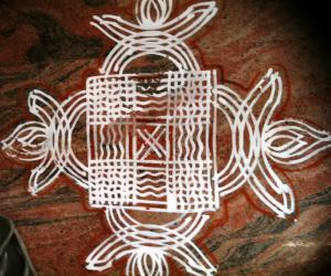 Rangoli: padikkolam