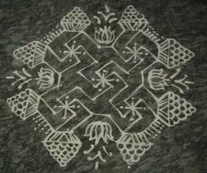 Rangoli: varamahalakshmi puja kolam 2