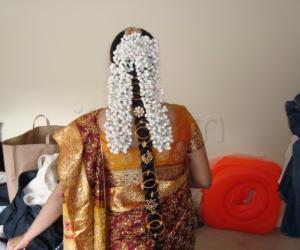 Bangle hair style (Valayal jadai)