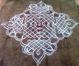 Rangoli: kolam with dots