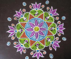 Rangoli: Kolapodi version of Quilled one