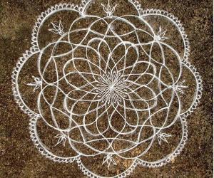 Free hand lotus (2)