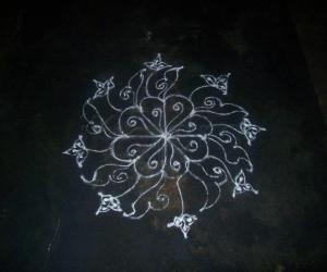 Rangoli: My Kooppa Karthigai kolam