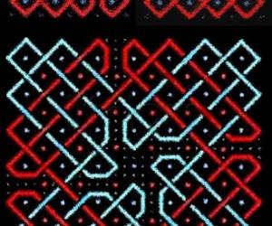 Another chikku kOlam with a modified sOnA pattern