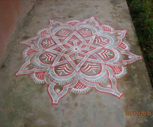 Kuzhal Kolam (inspired)