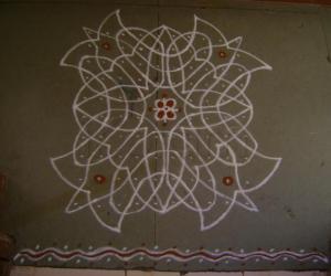 Rangoli: 10 x 10 Kolam