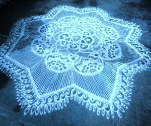 Strings kolam