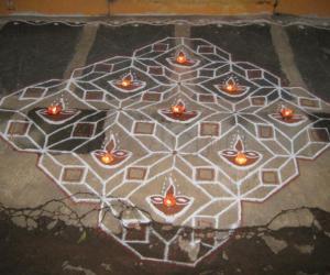 Rangoli: Karthaigai Kolam
