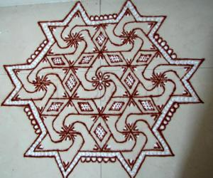 Rangoli: Star design kolam