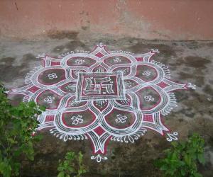 Rangoli: Kuzhal  (Roller) Kolam