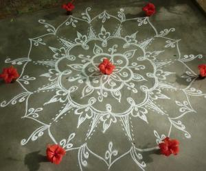 Rangoli: Another one with show flower