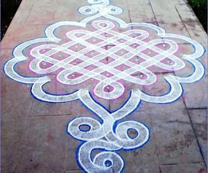 SIKKU KOLAM WITH ROLLER