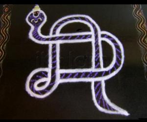 Rangoli: Snake Kolam