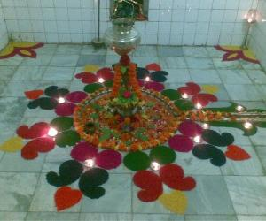 Shiv Shringar with colored rice_2