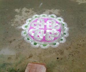 Rangoli: kuzhal kolam1