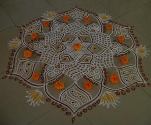 Rangoli: Vijayadasami Maakolam