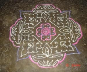 Rangoli: Line kolam 5