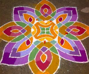 Rangoli: Thamarai Kolam