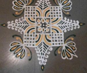 Rangoli: colorful maakolam