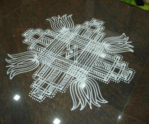 Rangoli: simple padikolam