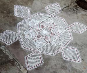 Rangoli: Aadi Kiruthigai Kolam