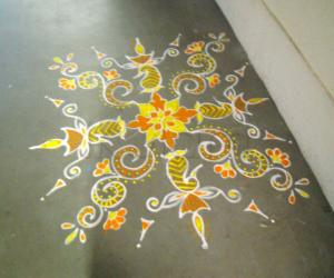 Rangoli: Coloured Maa kolam
