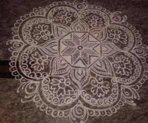 Rangoli: Flower design