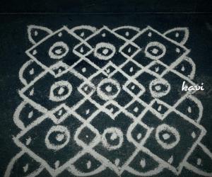 Rangoli: Simple 7×7 dots chikku