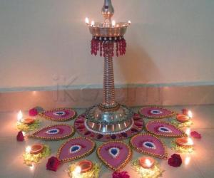 moveable rangoli with kuthu villakku