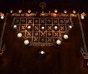 Rangoli: Maa Kolam with deepams to decorate it