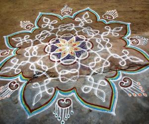 Freehand-and-chikku kolam