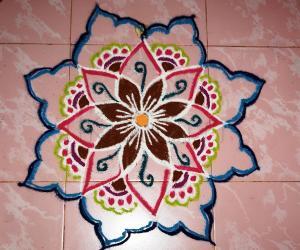 Rangoli: Freehand flower rangoli