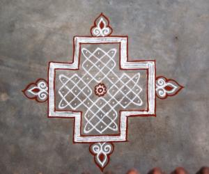 Sikku and Kuzhal kolam