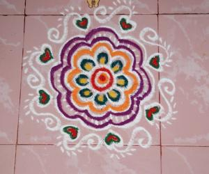 Rangoli: Freehand colour kolam