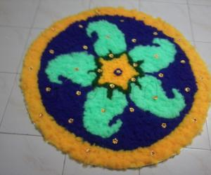 Rangoli: Woollen Rangoli