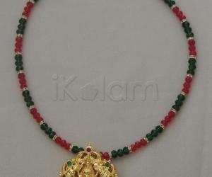 green and red crystal chain