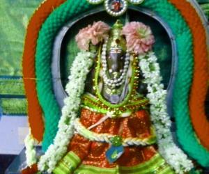 Vara Siddhi Vinayagar and kolam