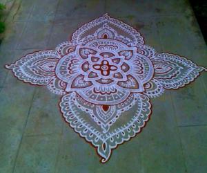 Rangoli: Kandha Shashti kavi kolam