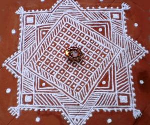 Rangoli: Mandana rangoli-2