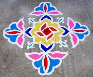 Margazhi kolam on road-1