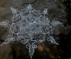 Rangoli: Freer hand and sikku kolam
