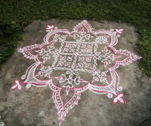 Rangoli: Sikku Kolam for Deepavali