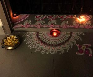 Rangoli: Friday pujakolam